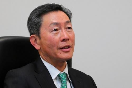 菅原 英喜(すがわら・ひでき)。1961年生まれ。東京都出身。84年に東京大学法学部卒業、トヨタ自動車入社。96年に総理府(現・内閣府)行政改革会議事務局出向を経て、2013年トヨタ社会貢献推進部長、16年東京総務部長、18年東京技術部主査。18年2月よりJHyM初代社長を務める。(撮影:日経クロステック)