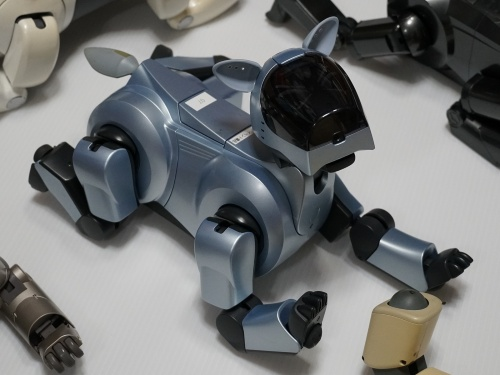 図1 動物型ロボット「AIBO(アイボ)」