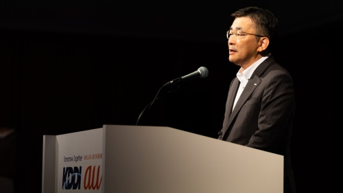 2021年4~6月期決算で増収増益を発表するKDDIの高橋誠社長