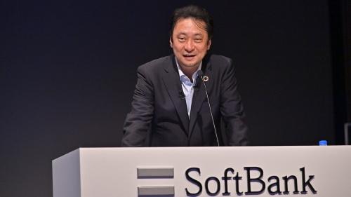 「LINEMOの契約数は50万件に満たない状況」と説明するソフトバンクの宮川潤一社長