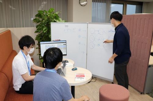大和総研によるデータサイエンティスト育成研修の様子