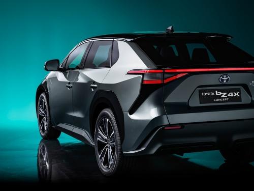 トヨタが2022年に発売予定の電気自動車(EV)「bZ4X」(出所:トヨタ)