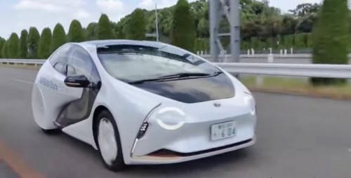 全固体電池を搭載したナンバー取得済みの車両(出所:トヨタの動画から)
