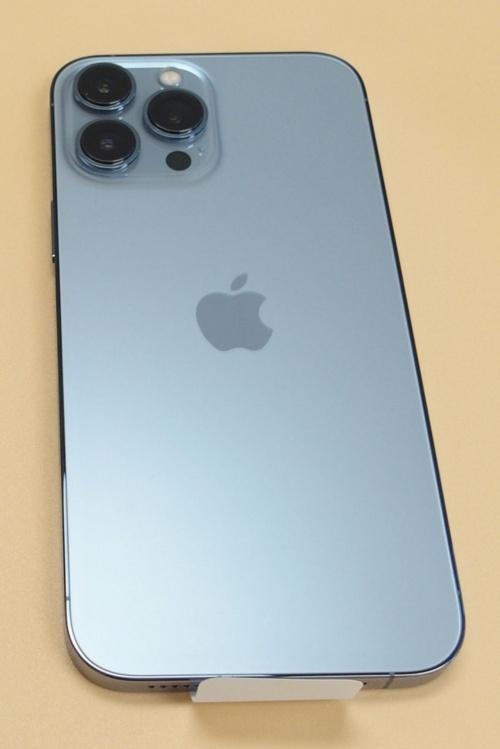 米国版「iPhone 13 Pro Max」の背面