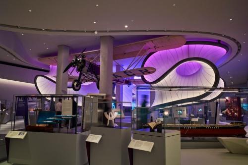 ケース照明は、展示物によって均一に照らしたり、コントラストをつけたり、学芸員と相談しながら決定した(写真:© Arup)