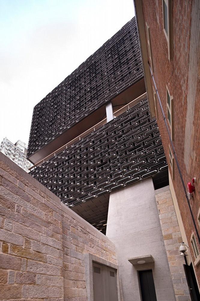 新築の「JCコンテンポラリー」。ギャラリーやレストランが入る。かつて政府の印刷所で、現在「Fホール」と呼ばれる建築につながっている(写真:© Arup)
