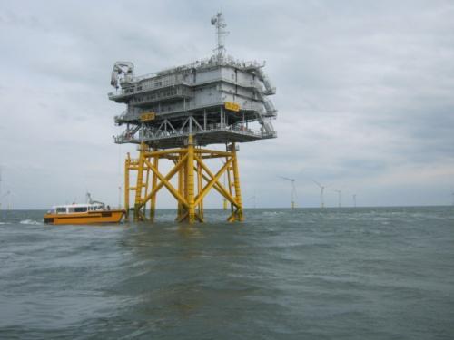 スコットランド、アバディーン。変電所のサイズは、巨大化し、シンプルな洋上クレーンで施工できるものではなくなってきた。浮体式に期待がかかる(写真:©Arup)