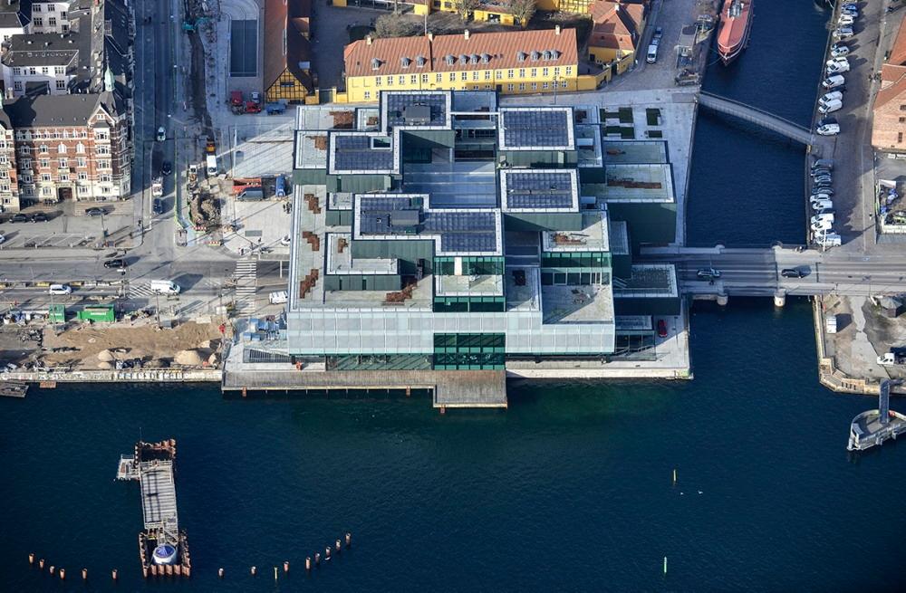 BLOX上空より。建物形状が複雑であることがよく分かる(写真:© Dragor Luftfoto)