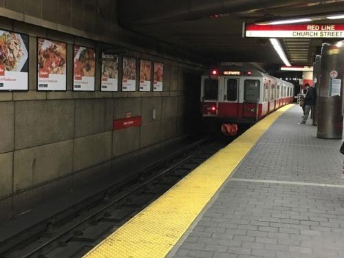 図1 ボストン地下鉄のレッドライン。お世辞にもスマートとはいえない