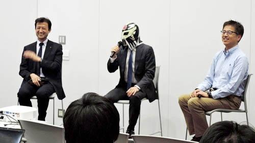 学生諸君、私のマスク姿にドン引きされておられましたが、さすがは日本を代表する国立大学。鋭い質問が飛んできました。次は日経BPから移籍した柳瀬さんがいる東工大だな(笑)。