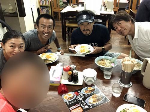重松飯店で大会前夜のカーボローディング、焼豚玉子飯に餃子にもやしラーメン、と大量の炭水化物を摂取いたしました。