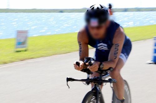 どフラットなコースで、バイクはアベレージで時速35キロメートル超。結構なペースで気持ちよく走ることができました。