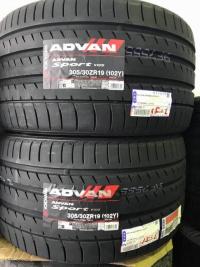 """中古車を買ったら「タイヤと油脂類は全交換」は基本の「き」であります。タイヤはヨコハマの<a href=""""https://www.y-yokohama.com/brand/tire/advan/"""" target=""""_blank"""">ADVAN</a> Sport V105をチョイス。"""