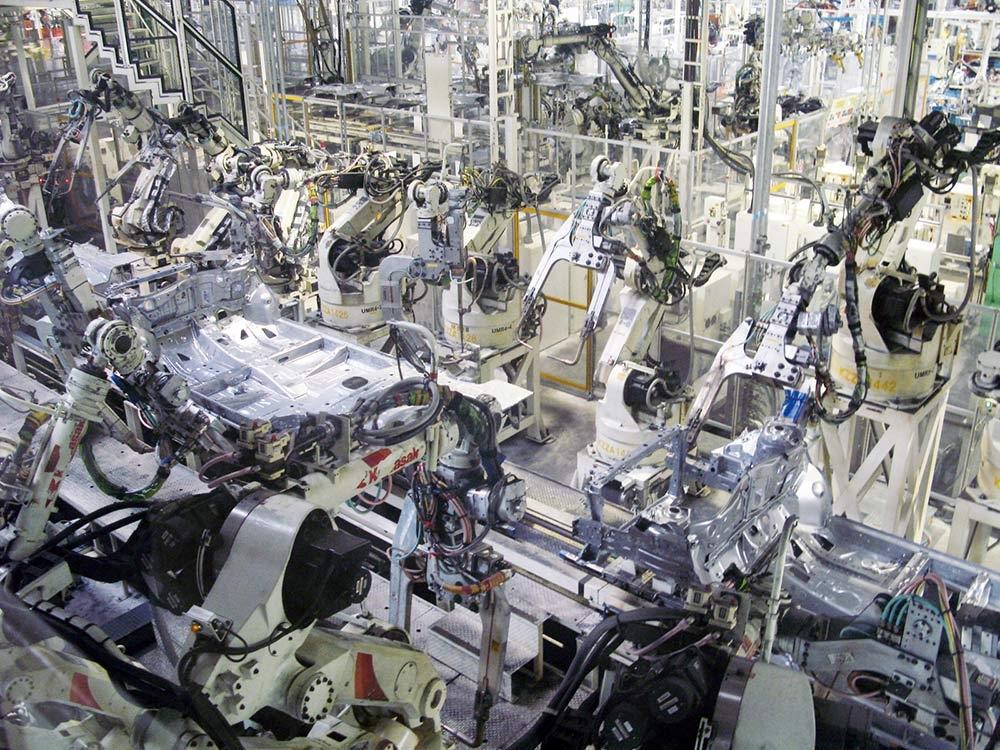 トヨタ自動車東日本の生産ライン トヨタグループでは工程設計の際に工程FMEAを実施し、不具合を未然に防ぐ。工程FMEAを実施しないと以降のステップに進めない。(写真:日経 xTECH)