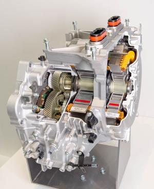 新開発の小型車用2モーター式ハイブリッドシステム「i-MMD」(写真:ホンダ)