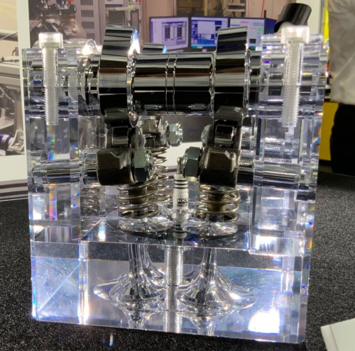 HKSの3次元カムを組み込んだシリンダーヘッドのサンプル