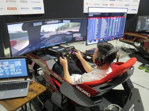 今回のバーチャル・ルマンレースはレースシム「rFactor2」を使用