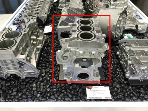 図4 グループPSAの直噴ガソリン直列3気筒エンジン用シリンダーブロック