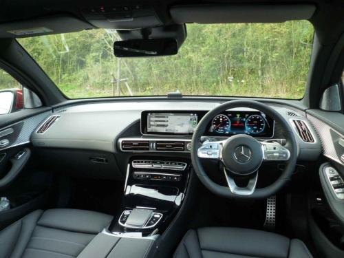 運転席に座った感覚は、これまでのエンジン車と変わらない