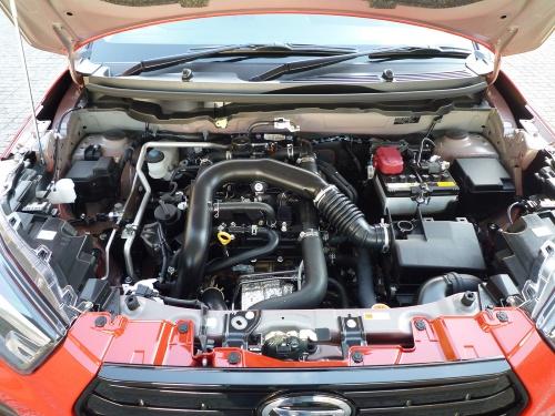 1.0Lのガソリンターボエンジンは、ギア付きCVTとの組み合わせで鋭い加速を実現していた