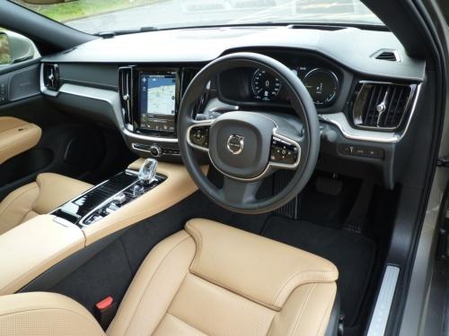 ボルボの各車種で見慣れた北欧デザインの内装