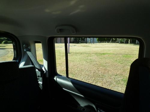 リアピラーの小窓が、後方視界をより広げている