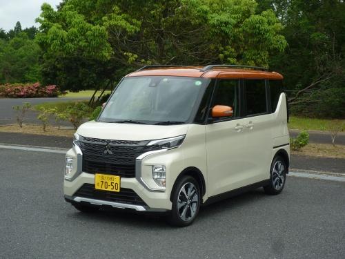 三菱自のeKクロススペースは、同社のSUV(多目的スポーツ車)に通じるX字を印象付けるフロントグリルを採用する