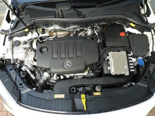 GLAが搭載するディーゼルターボエンジンは、ガソリンエンジンかと思わせるほど軽やかに回り切った