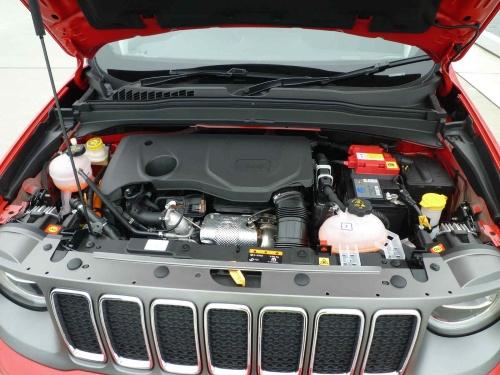 ガソリンエンジンには、モーター機能付き発電機(ISG)が組み込まれている