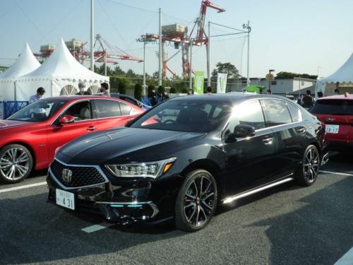 100台限定で市販された「レジェンドHybrid EX・Honda SENSING Elite」の価格は1100万円(税込み)