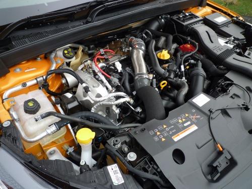 ガソリンターボエンジンは、ターボラグを感じさせず伸びやかな加速をもたらした