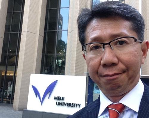 横浜市会議員の鈴木太郎氏