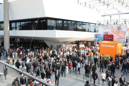 ドイツのニュルンベルクで開催されたFensterbau Frontaleには、寒波の中11万人以上が来場した(写真:NürnbergMesse)