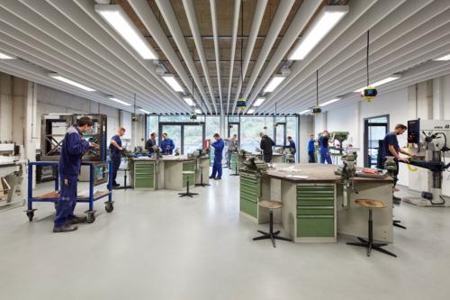 キャンパスハンドヴェルク内訓練施設(写真:a|sh architekten, Markus Bachmann)