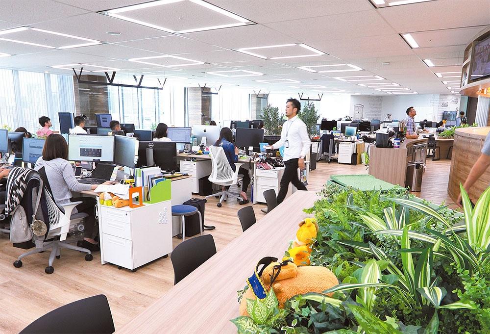 オフィスはビルのワンフロアに入居。コミュニケーション不足を避けるのが目的。