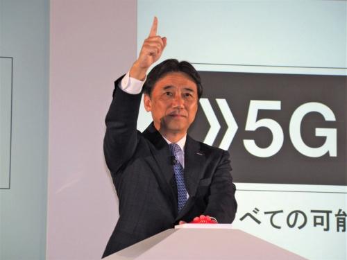 NTTドコモは2019年9月20日に5Gのプレサービスを開始したが、2020年にはいよいよ商用サービスがスタートする予定だ。写真は同日に実施されたNTTドコモの5Gプレサービスローンチセレモニーより(筆者撮影)