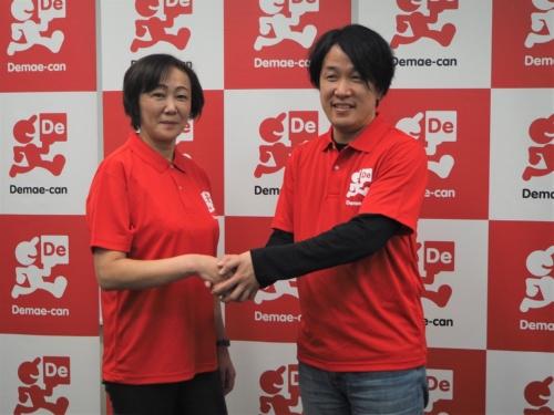 300億円の出資によって出前館は実質的にLINE傘下に。代表取締役社長にはLINEの執行役員O2OカンパニーCEOである藤井英雄氏(右)が就任。現在の社長である中村利江氏(左)は代表取締役会長となる予定だ。写真は2020年3月27日の出前館決算説明会より