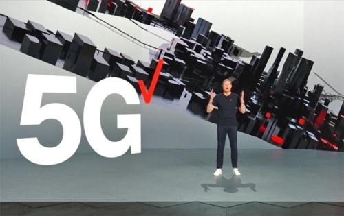 「CES 2021」の初日となる米国時間の2021年1月11日は、ベライゾン・コミュニケーションズのハンス・ベストバーグCEOによる基調講演が実施。5Gへの関心の高さをうかがわせた。画像は同講演のスクリーンショット