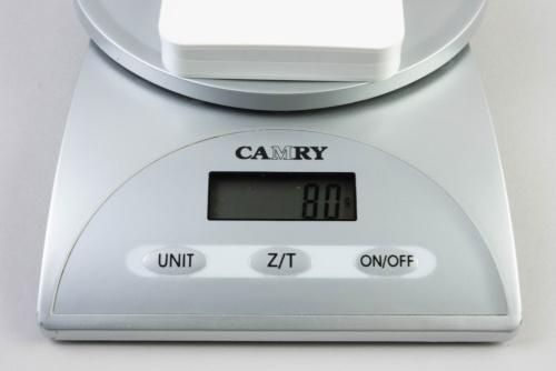 RAVPowerのRP-PC104はクレジットカードサイズだ