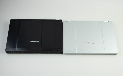 愛用中のレッツノートSZ6(左)と比べると、フットプリントはあまり変わらない