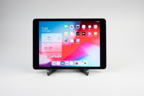 10.2インチiPadは最近登場した安価なモデル。価格は3万4800円から