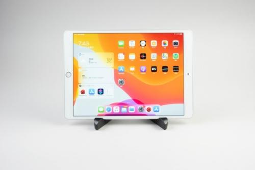 iPad Airは5万4800円からの中堅モデルだ