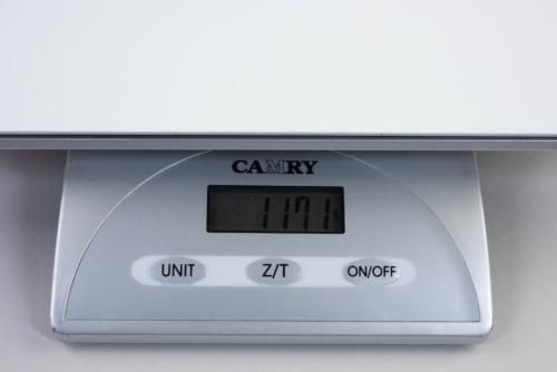 重量はカタログ値で1.15kg。キッチンスケールによる計測(参考値)は1.17kgだった