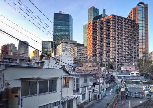目下のランキングで都内一の開発規模となる「虎ノ門・麻布台地区再開発」の予定される一帯(写真:日経アーキテクチュア)