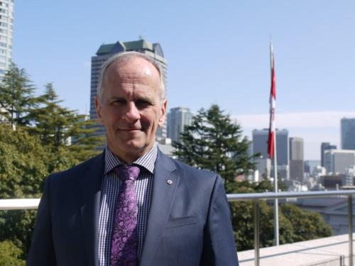 3月上旬に来日したポール・ファスト氏。カナダ・バンクーバーに本社を置くFast+EPP社のパートナー。「ブロックコモンズ」では、主任エンジニアとして構造設計を担当した(撮影:菅原 由依子)