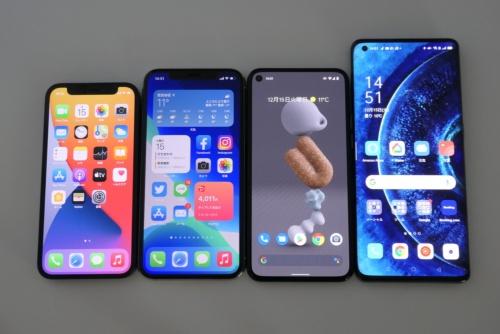 筆者が現在使っているスマホと大きさを比べてみた。左からiPhone 12 mini(5.4インチ)、iPhone 11 Pro(5.8インチ)、Google Pixel 5(6.0インチ)、OPPO Find X2 Pro(6.7インチ)