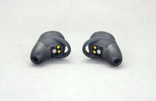 カナル型イヤホンは、自分の耳に合ったイヤピースを装着しないと本来の音を楽しむことはできない
