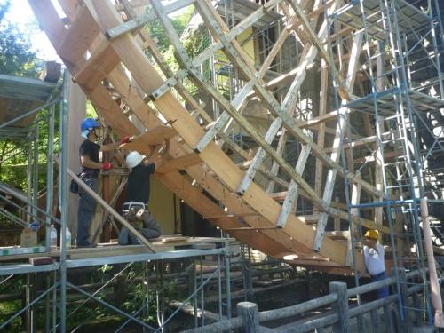 外周部側面の輪板や中輪板に羽根板を取り付けている(写真:野瀬建設)
