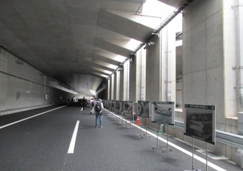5月12日の開通前イベントで公開した外環道の掘割区間(写真:日経コンストラクション)