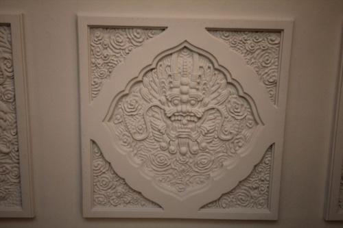 2階の天井装飾には「龍」(写真:日経アーキテクチュア)